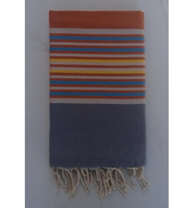 Flat auburn and grey striped fouta