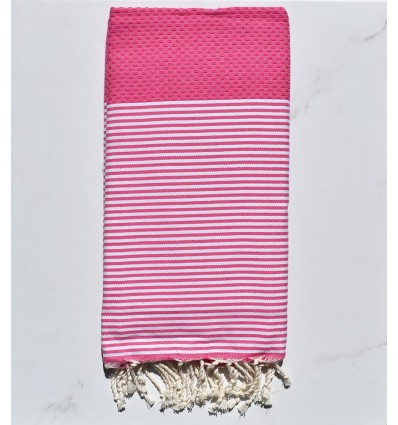 Honeycomb fushia striped white fouta