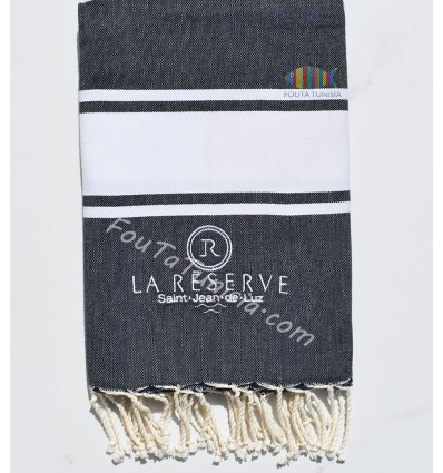 embroidered and personalized beach towel La réserve